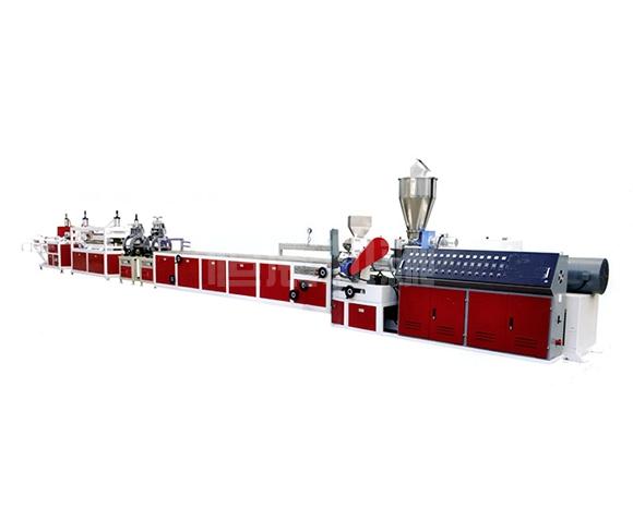 PVC高速挤出型材生产线